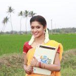 Velai Illa Vivasayi Movie Stills