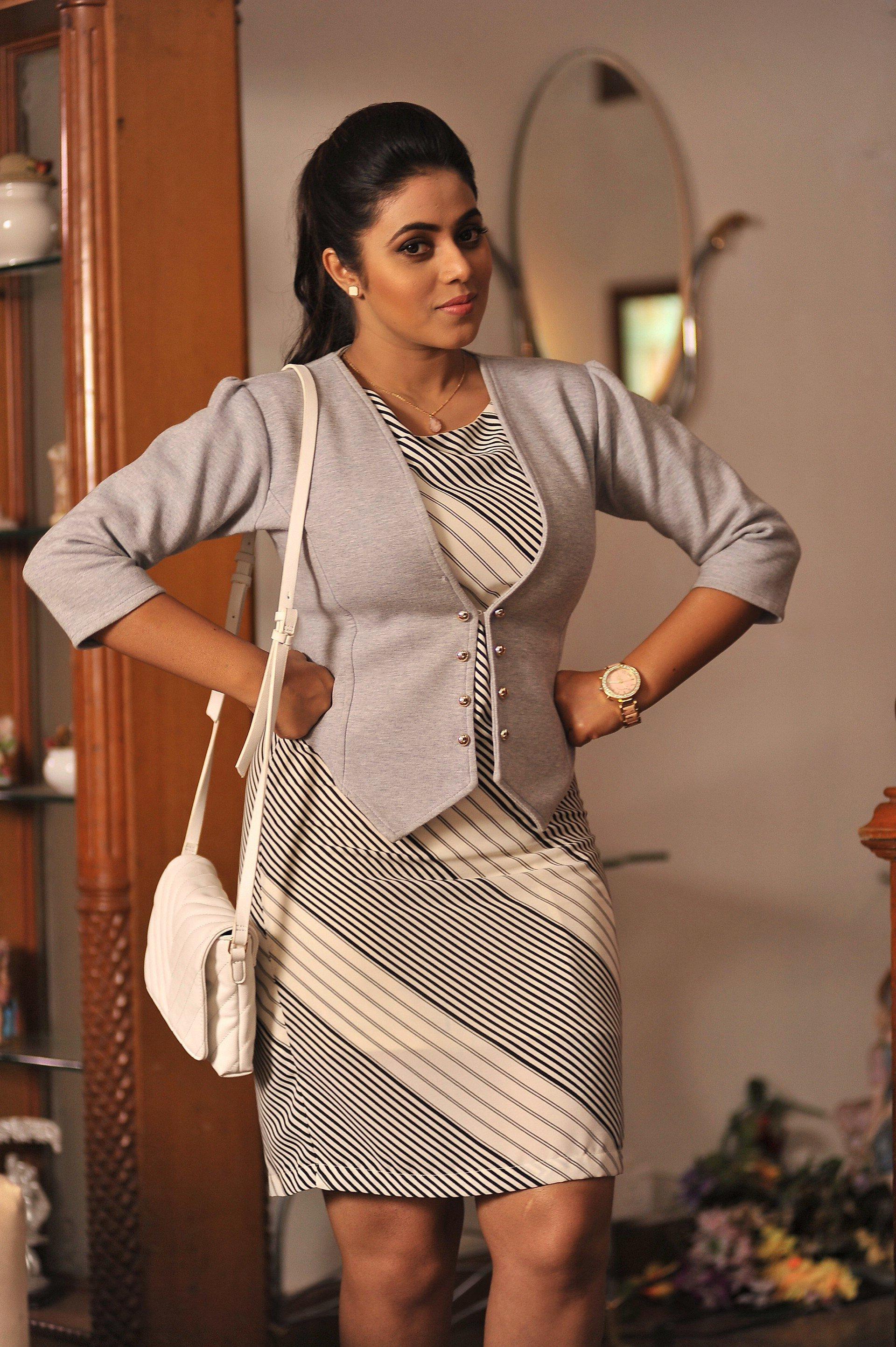 Actress Poorna in Suvarna Sundari Telugu Movie Photos – TamilNext
