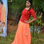 Paakkanum Pola Irukku Team Interview Photos