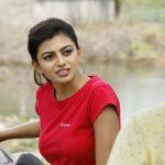 En Aaloda Seruppa Kaanom Movie Stills
