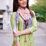 Raashi Khanna Photo Shoot HD Pictures