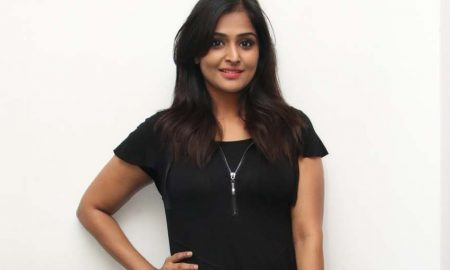 Actress Ramya Nambeesan New Photos