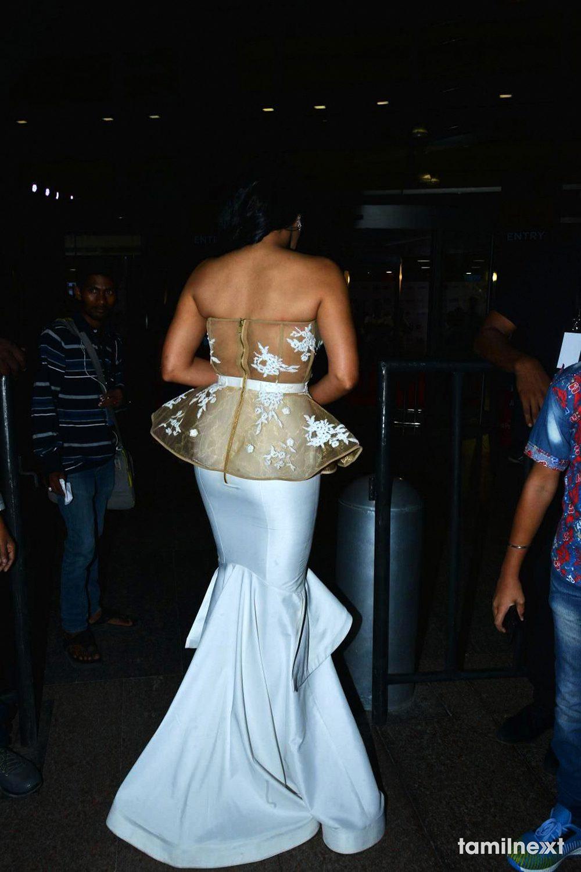 Regina Cassandra Jio Filmfare Awards South 2018 – TamilNext