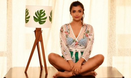 Actress Ashna Zaveri Stills