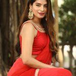 Actress Tanya Hope
