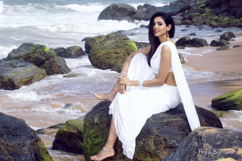 Actress Riya Suman Photoshoot Images